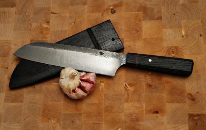 """Couteau Santoku (""""trois délices"""")"""